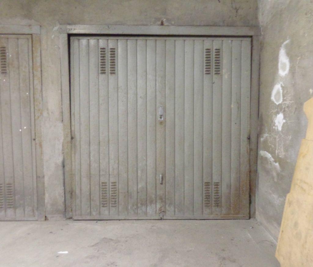 Box garage torino vendita zona 10 aurora valdocco 11 mq - Immobile non soggetto all obbligo di certificazione energetica ...