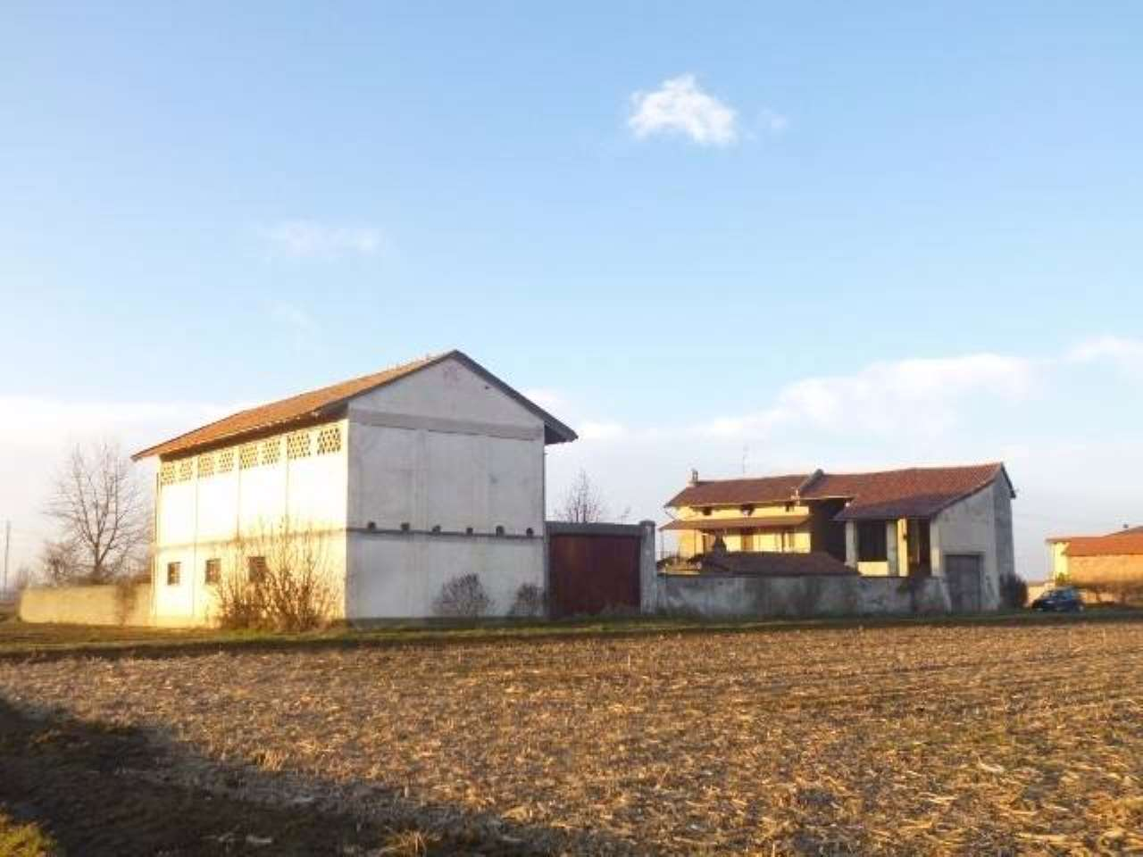 Rustico / Casale in vendita a Tronzano Vercellese, 5 locali, prezzo € 85.000 | PortaleAgenzieImmobiliari.it