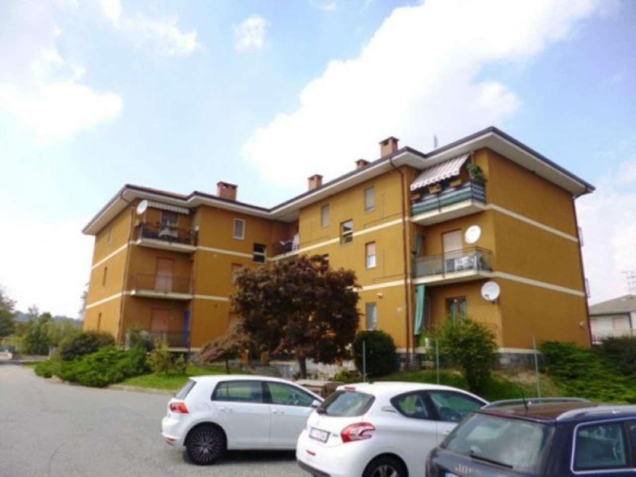 Appartamento in buone condizioni in vendita Rif. 4935103