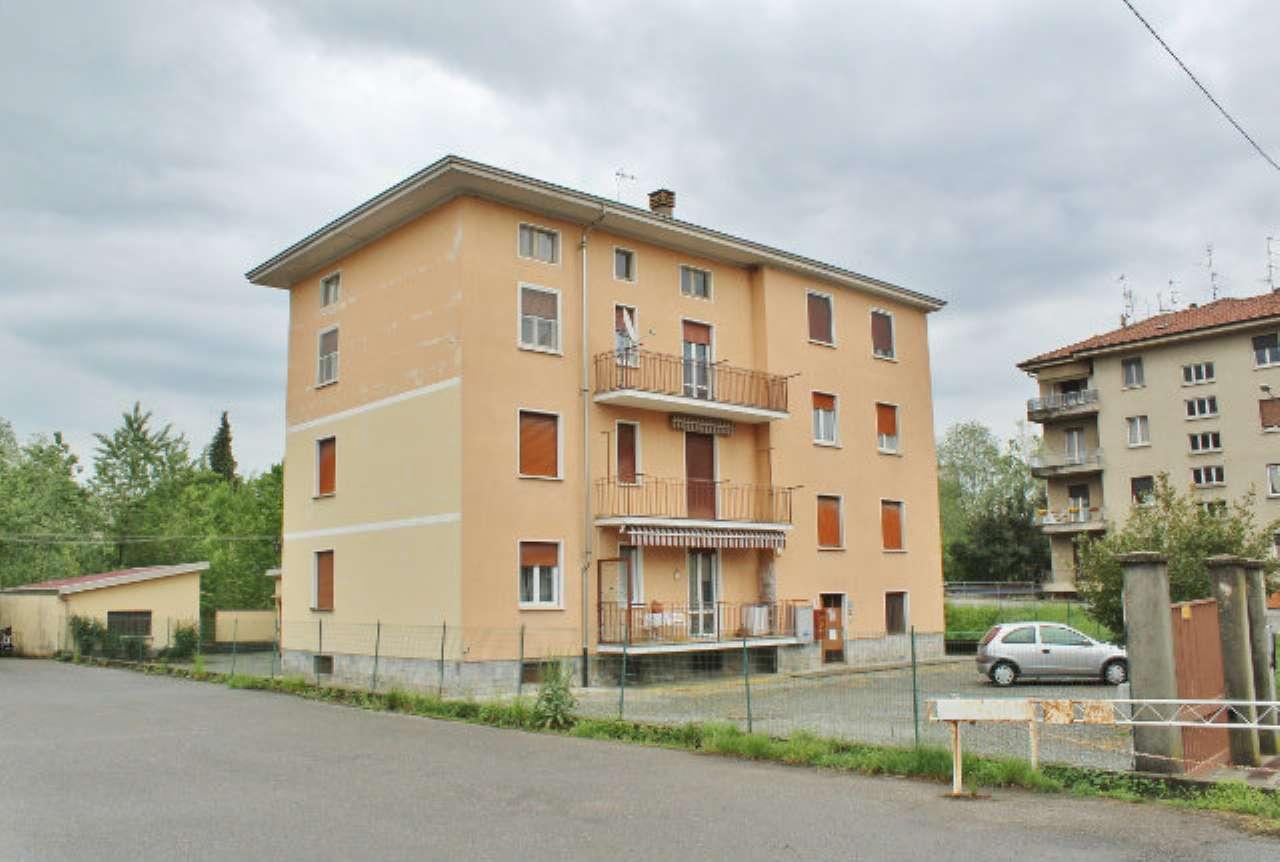Appartamento in discrete condizioni in vendita Rif. 6406340