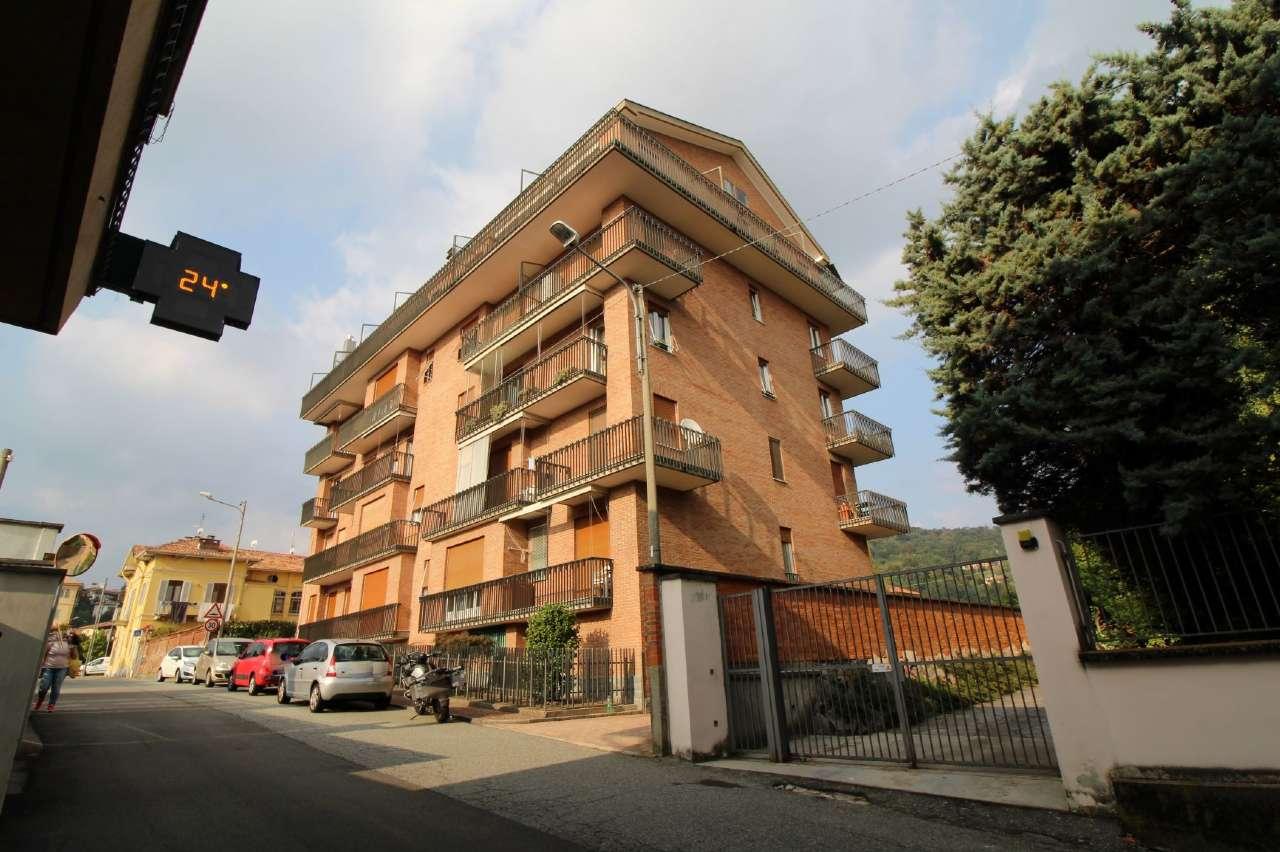 Appartamento in buone condizioni in affitto Rif. 7931224