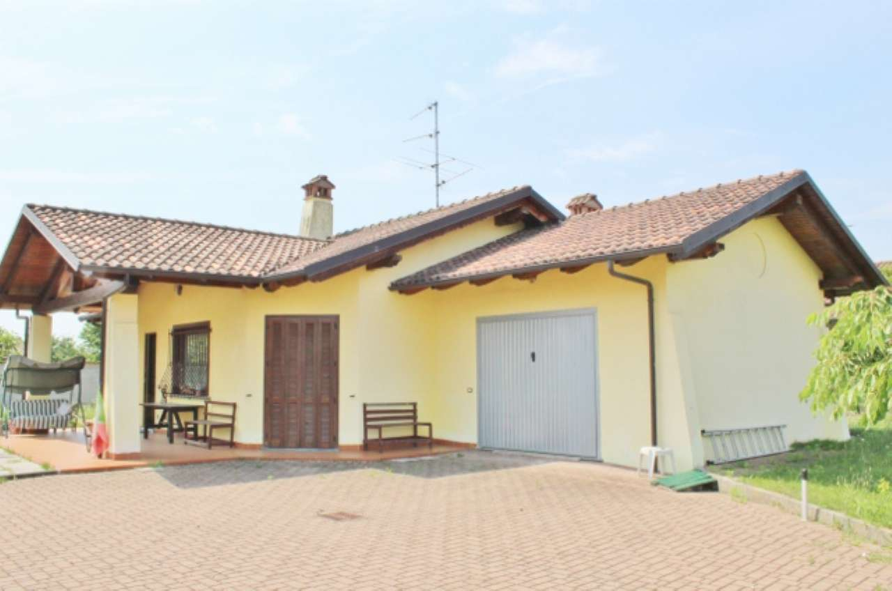 Villa in buone condizioni in vendita Rif. 4935100