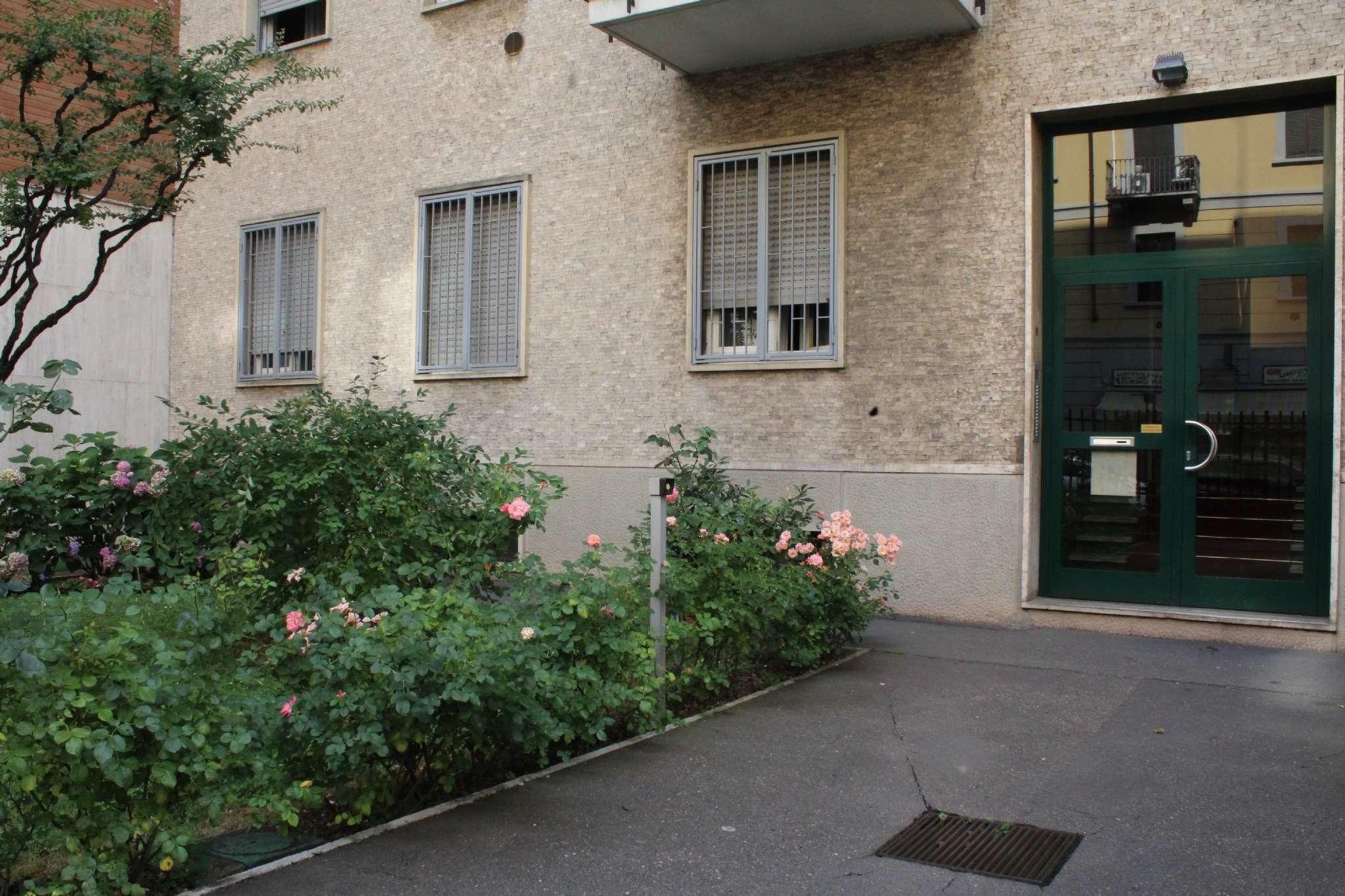 Stanza / posto letto ristrutturato arredato in affitto Rif. 8111316