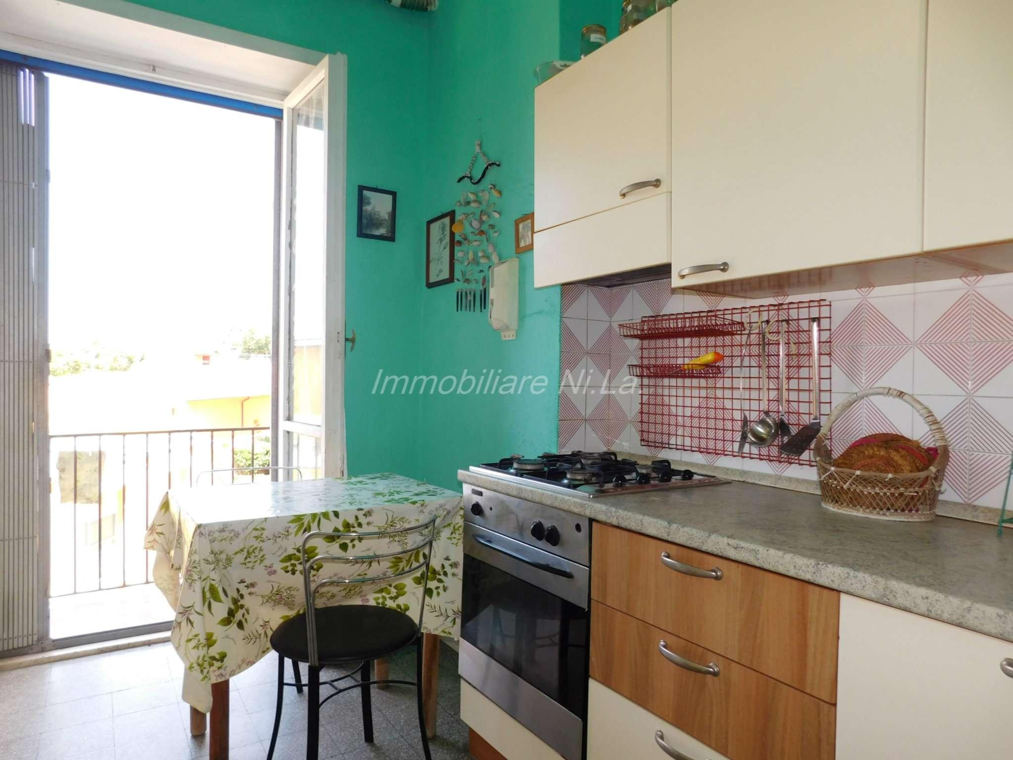Appartamento in buone condizioni in vendita Rif. 7603027