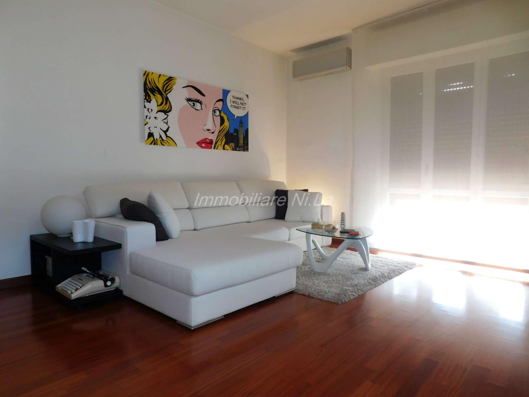 Appartamento ristrutturato parzialmente arredato in vendita Rif. 8035398