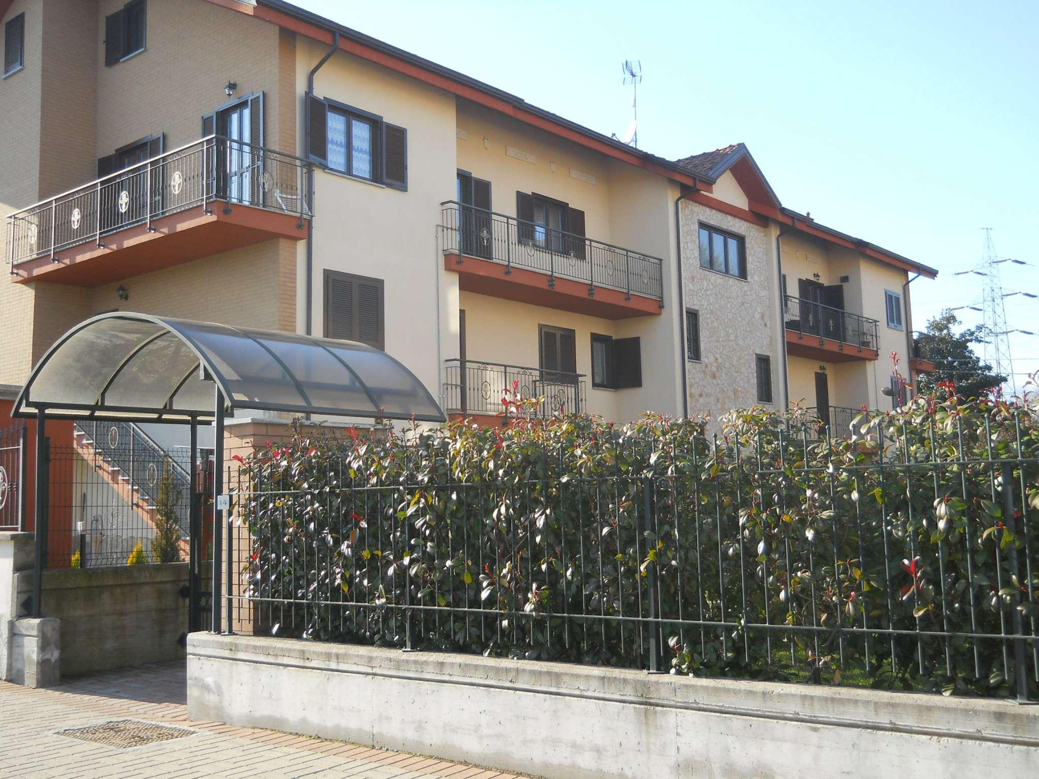 Appartamento in buone condizioni in affitto Rif. 5545139