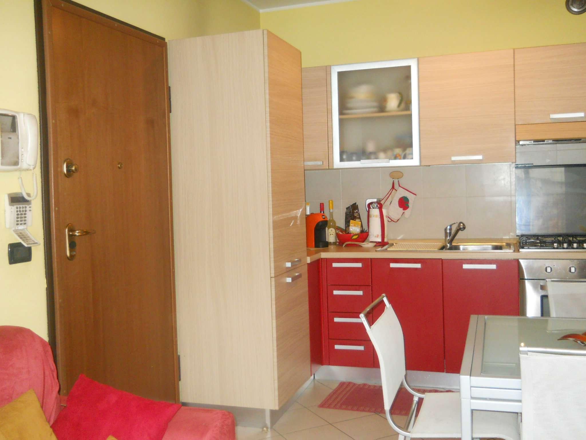 Appartamento parzialmente arredato in affitto Rif. 7106201