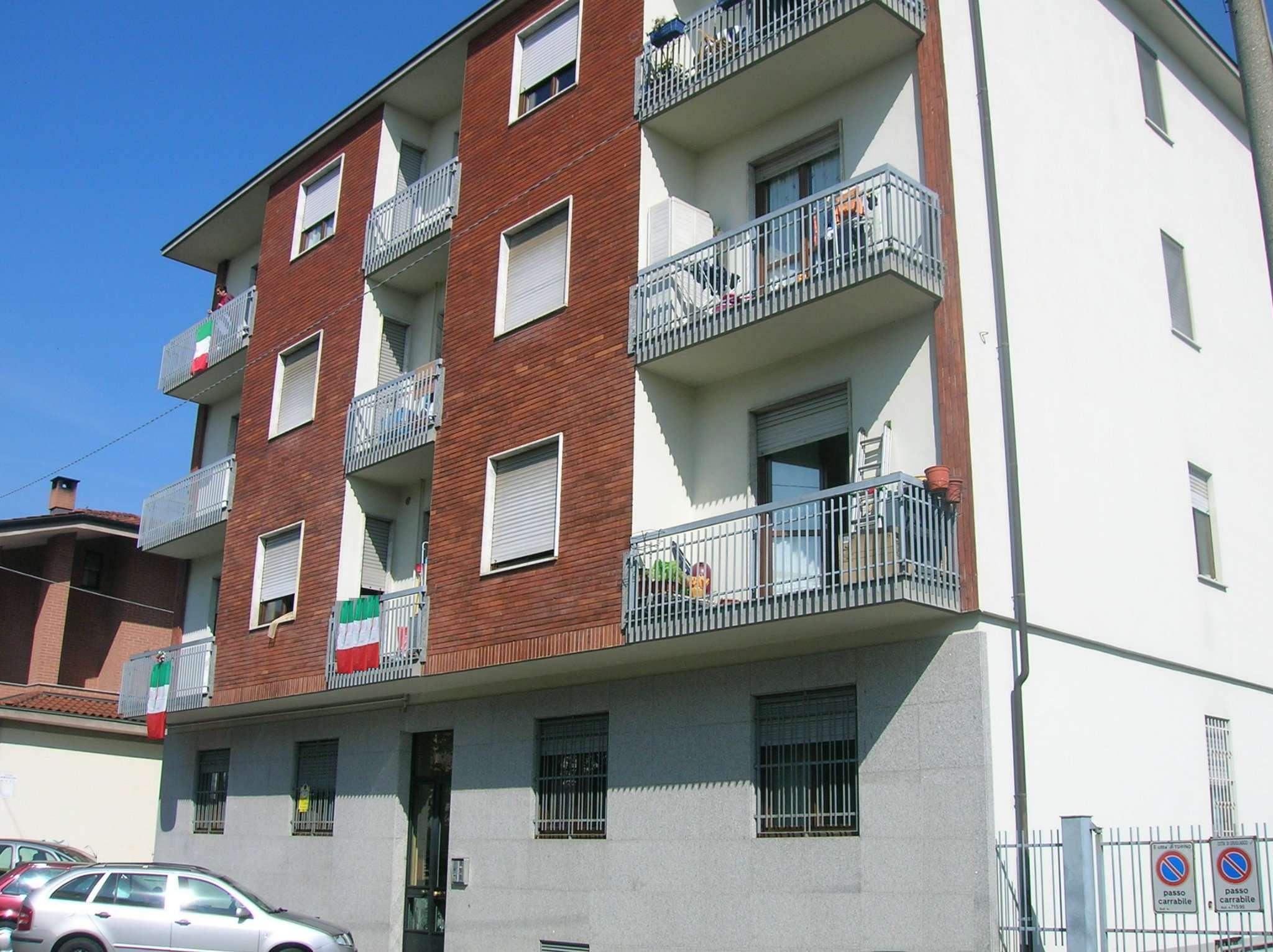 Appartamento in buone condizioni in affitto Rif. 7807639