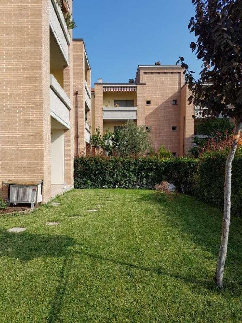 Appartamento in ottime condizioni parzialmente arredato in vendita Rif. 7810488