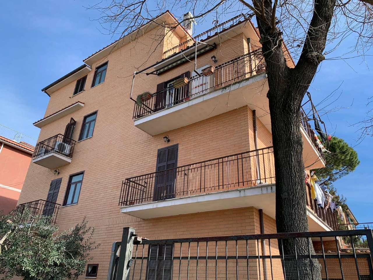 Attico / Mansarda in vendita a Roma, 3 locali, zona Zona: 28 . Torrevecchia - Pineta Sacchetti - Ottavia, prezzo € 139.000   CambioCasa.it