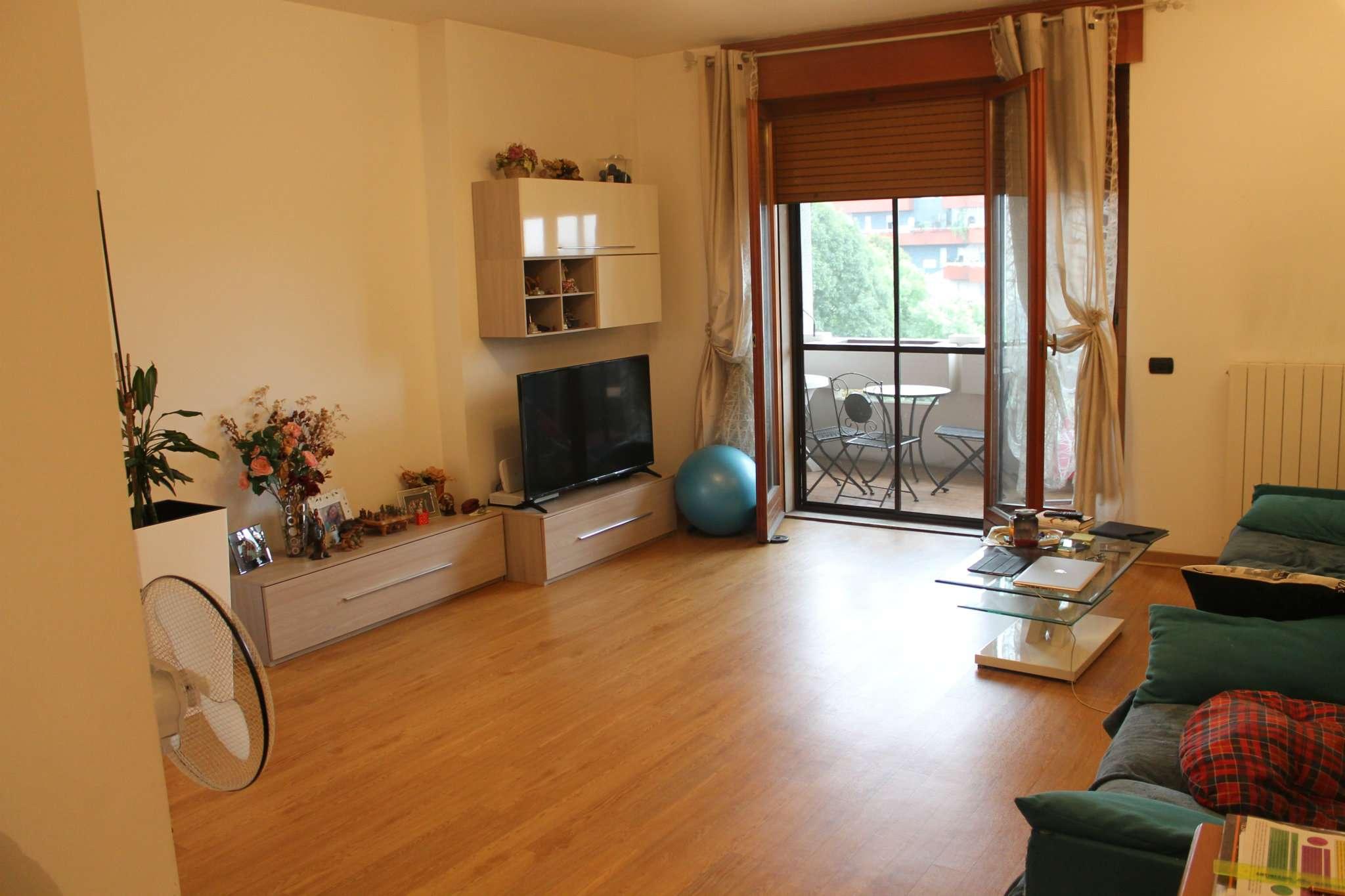 Appartamento ristrutturato in affitto Rif. 8257524