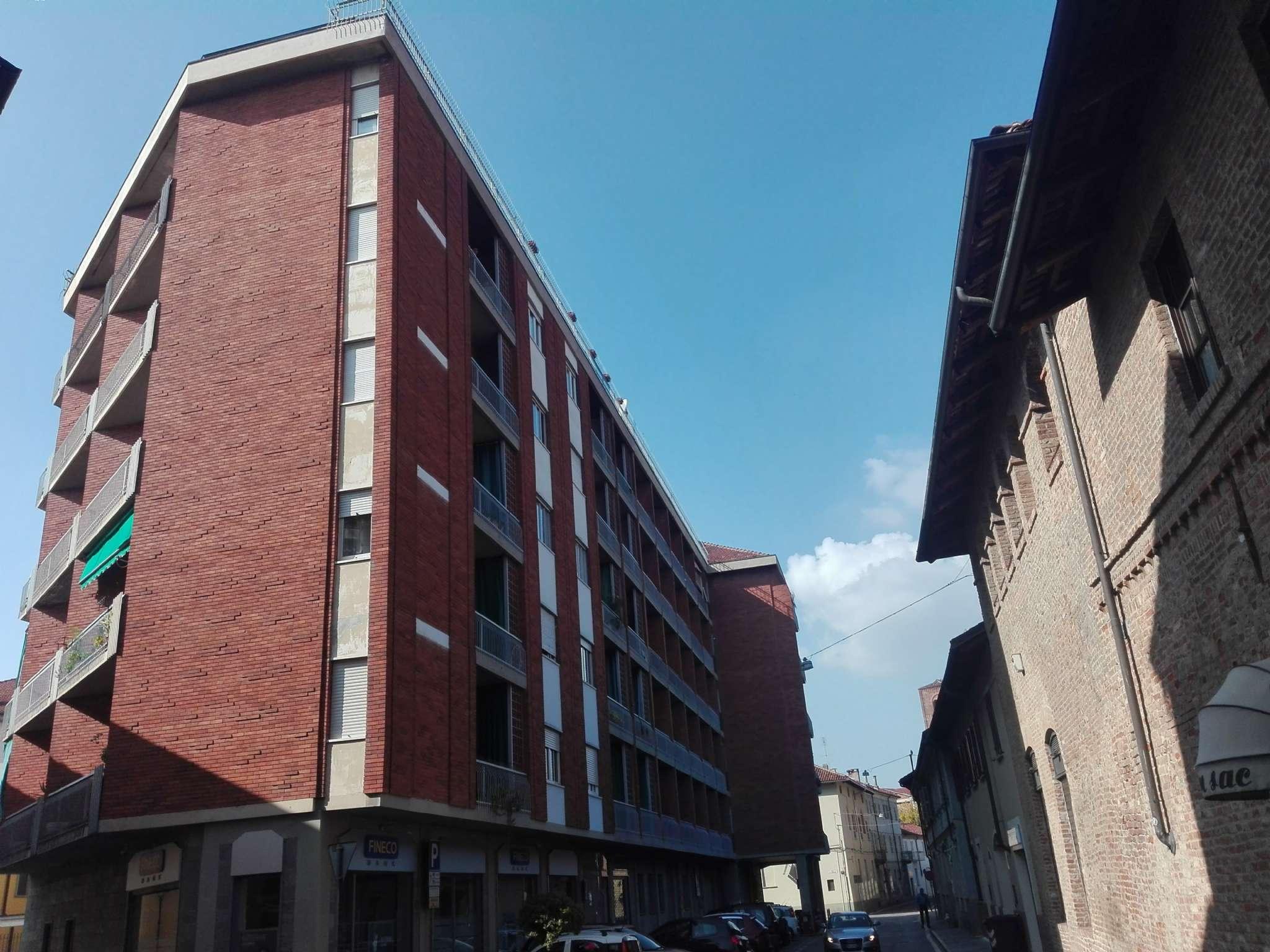 Chieri - appartamento in centro, in affitto