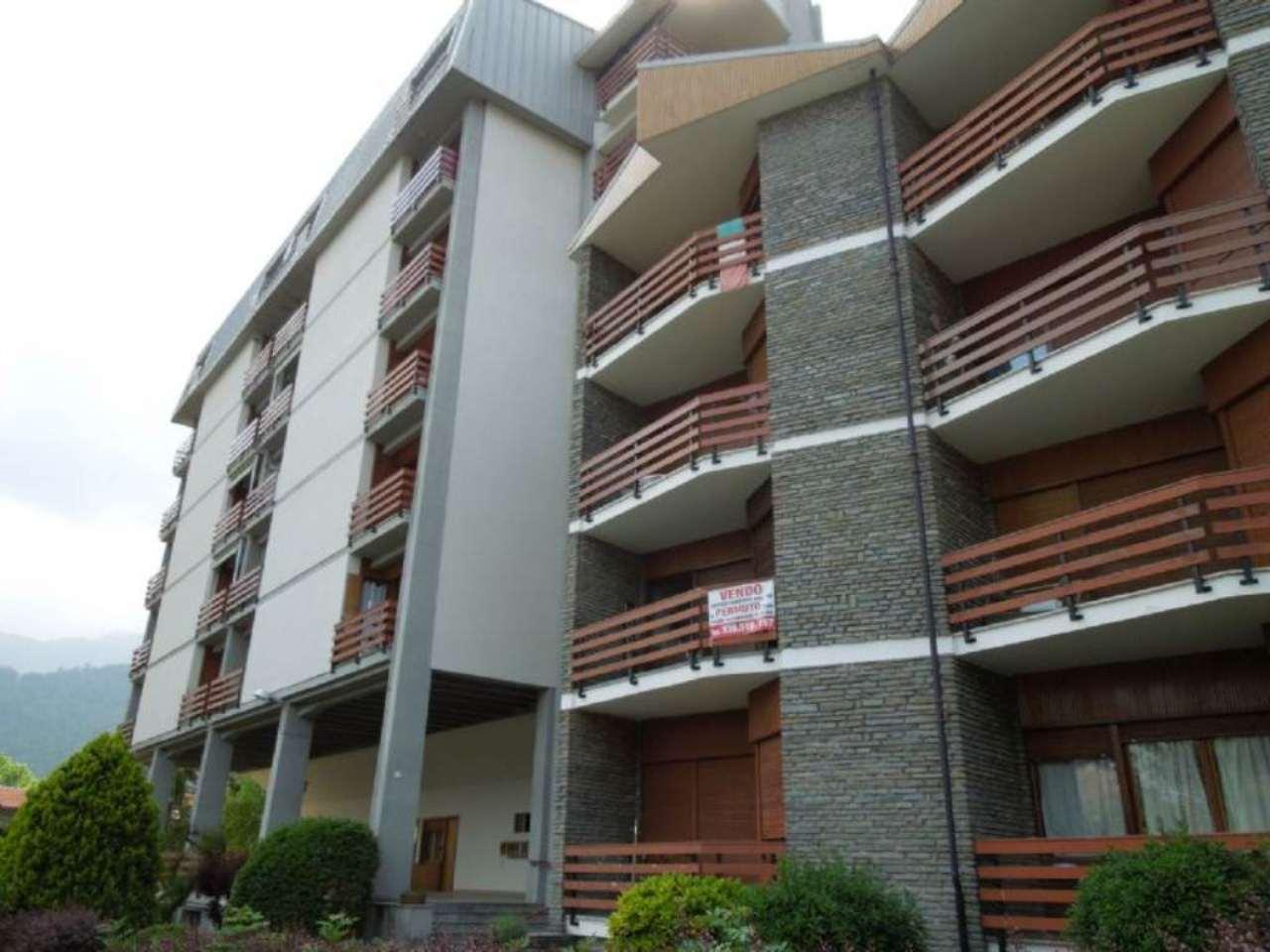 Appartamento in buone condizioni arredato in vendita Rif. 8848504