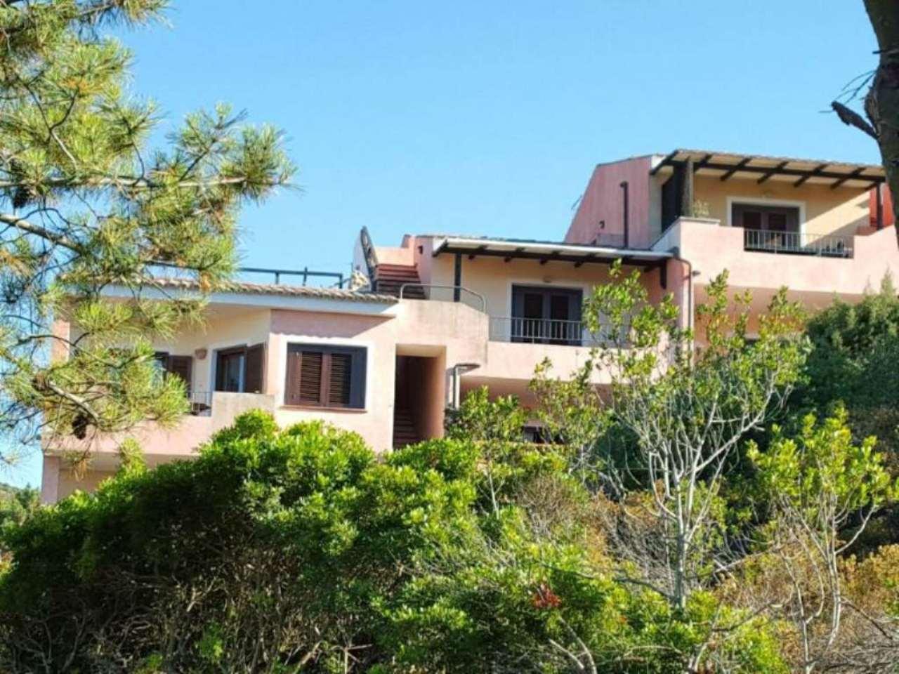 Appartamento in buone condizioni arredato in vendita Rif. 8848510