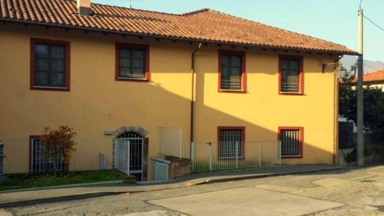 Appartamento in ottime condizioni in vendita Rif. 9467499