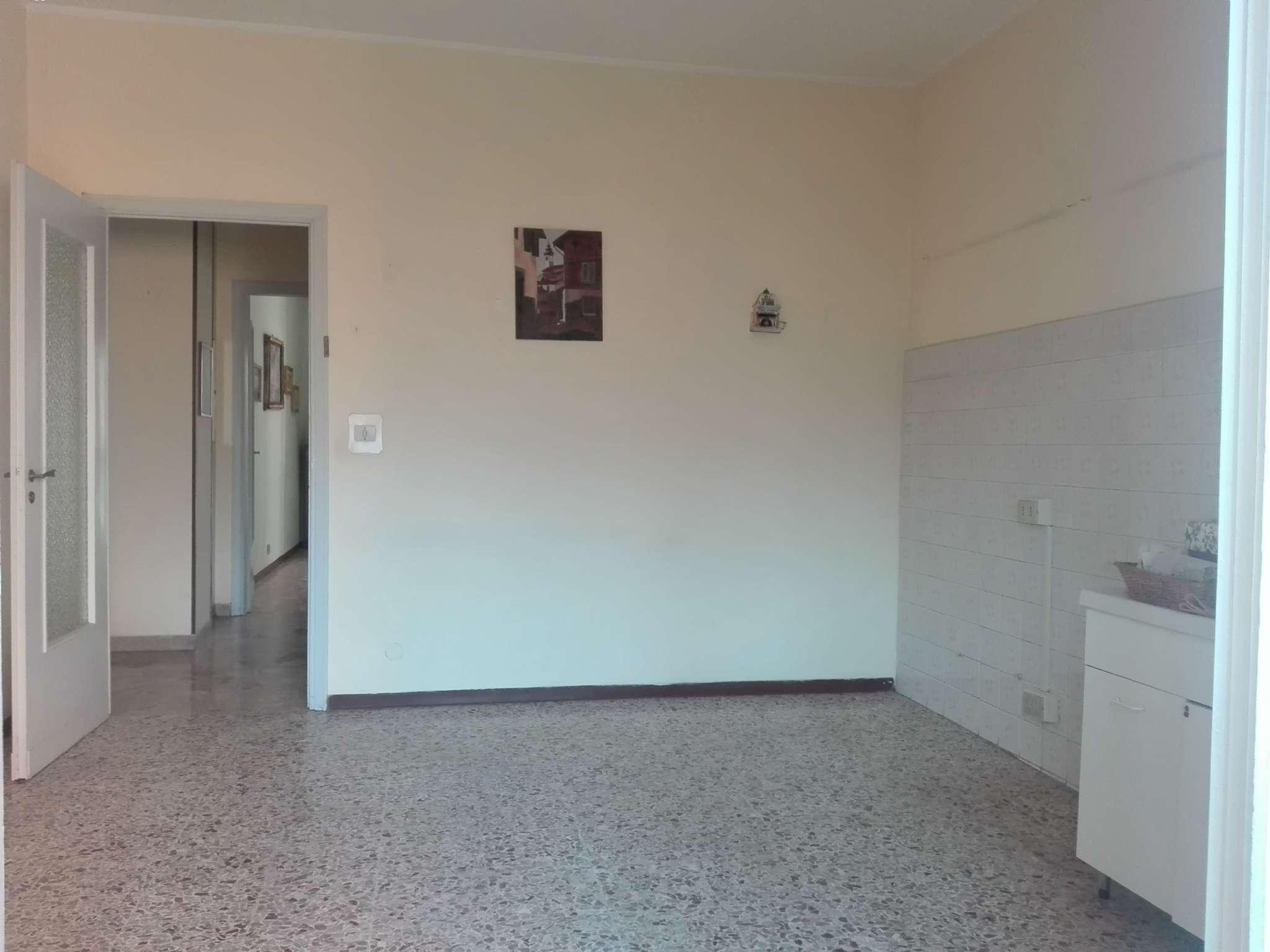 Appartamento in vendita a Chieri, 3 locali, prezzo € 62.000 | CambioCasa.it