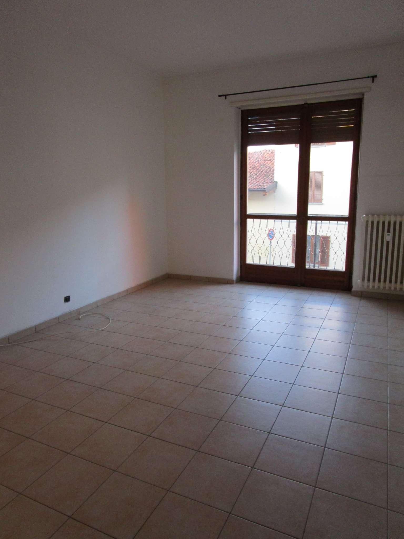 Appartamento in vendita a Poirino, 4 locali, prezzo € 69.000 | CambioCasa.it