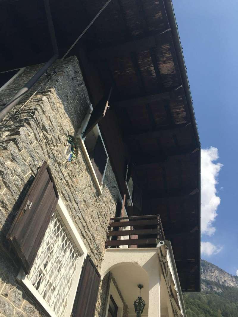 Rustico / Casale in buone condizioni in vendita Rif. 7931379
