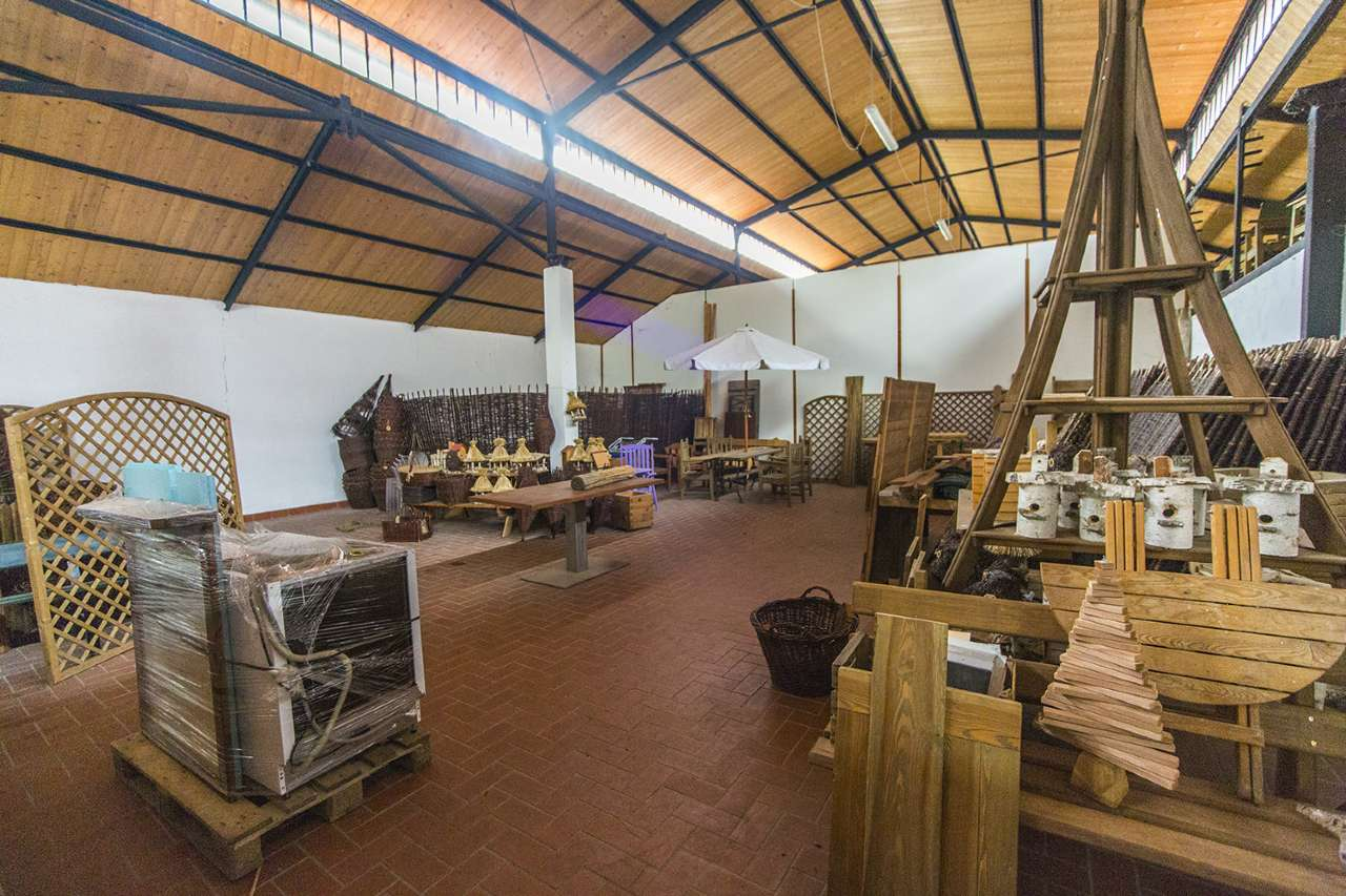 Capannone in vendita a Cambiano, 9999 locali, prezzo € 550.000 | CambioCasa.it