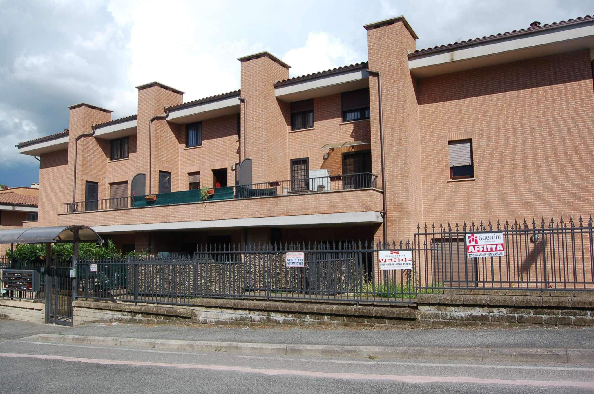Appartamento in buone condizioni in affitto Rif. 7890989