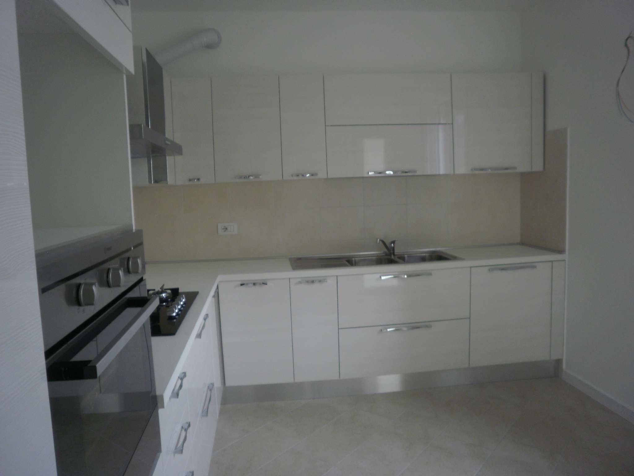 Appartamento in affitto a Cernusco sul Naviglio, 4 locali, prezzo € 1.300 | PortaleAgenzieImmobiliari.it