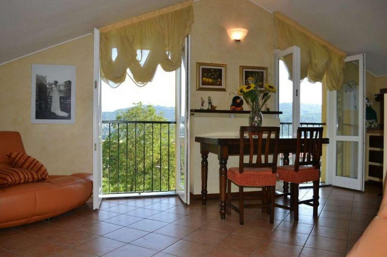 Appartamento in ottime condizioni in vendita Rif. 4946379