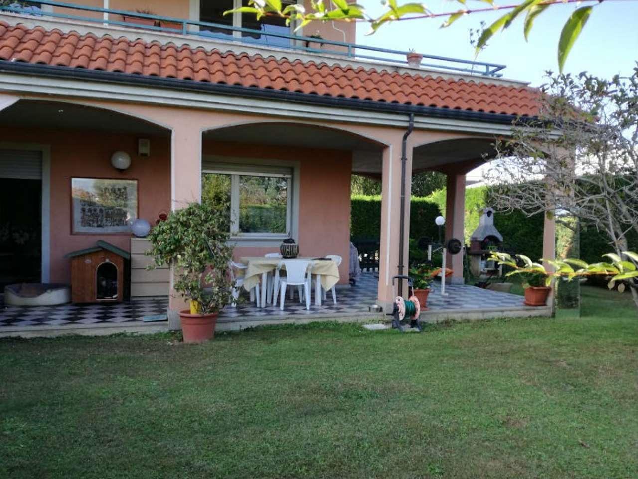 Appartamento in ottime condizioni in vendita Rif. 8609729