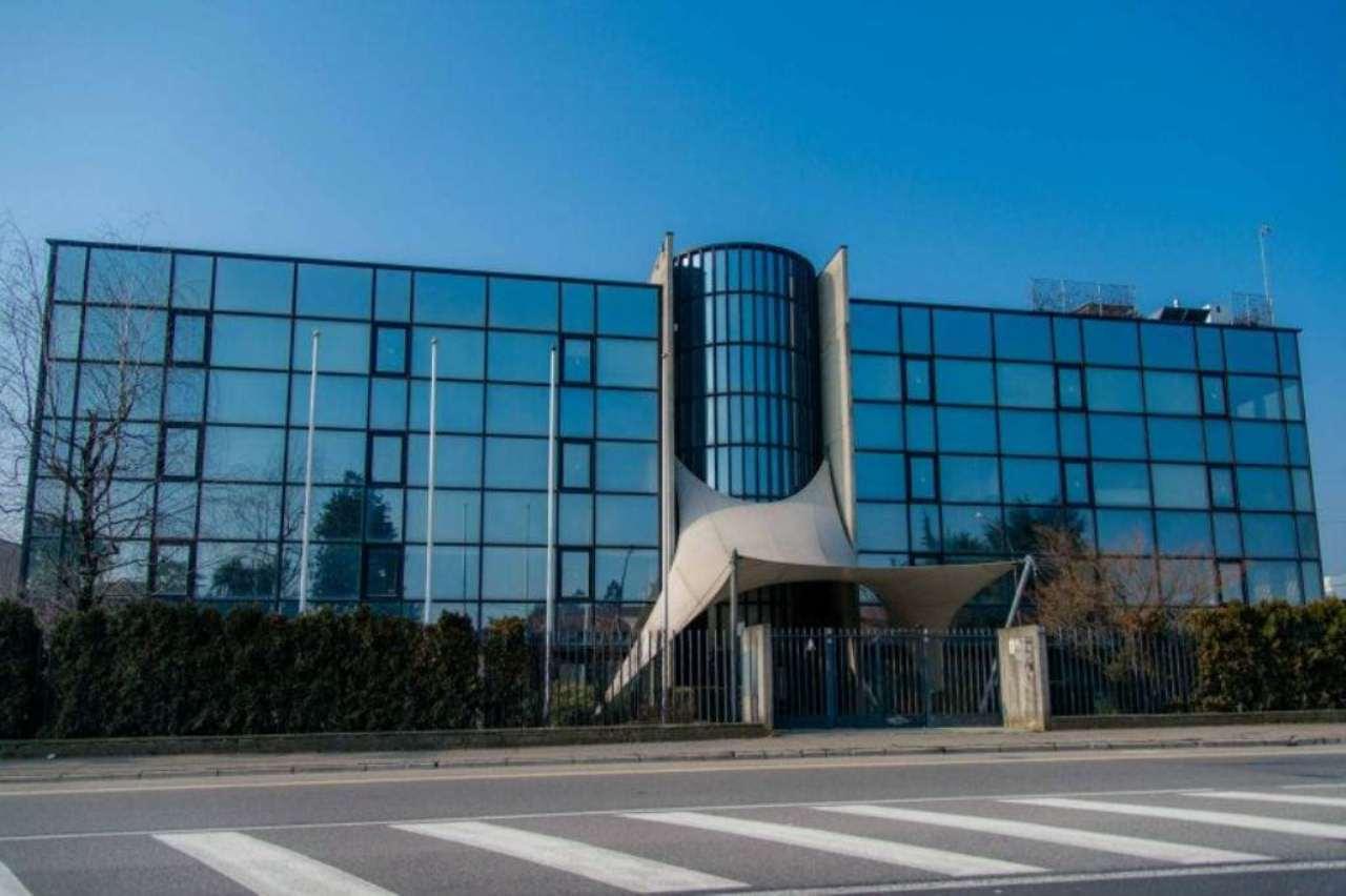 Ufficio / Studio in vendita a Verdellino, 40 locali, Trattative riservate | CambioCasa.it