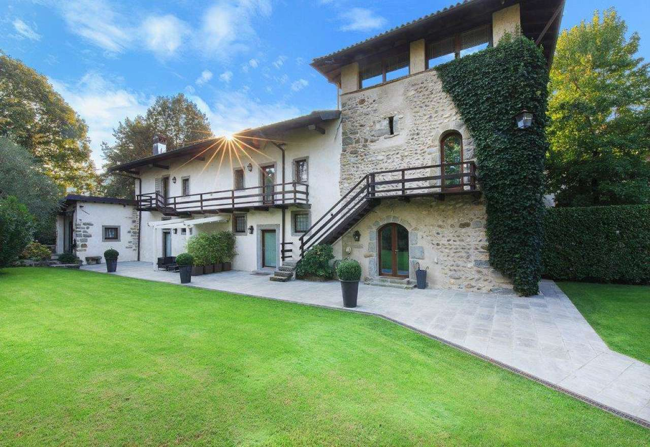 Villa in vendita a Brembate di Sopra, 6 locali, prezzo € 1.200.000 | CambioCasa.it