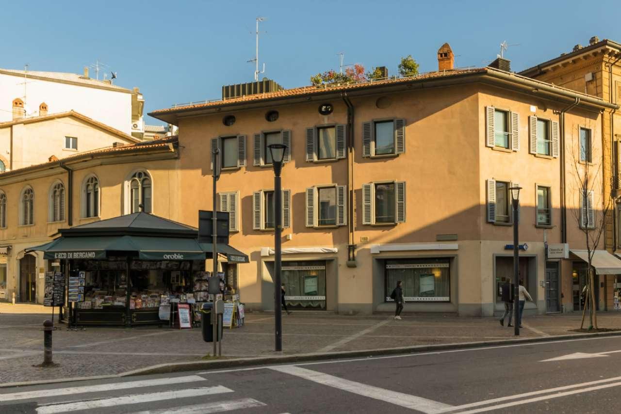 Negozio / Locale in affitto a Bergamo, 8 locali, prezzo € 8.300 | CambioCasa.it