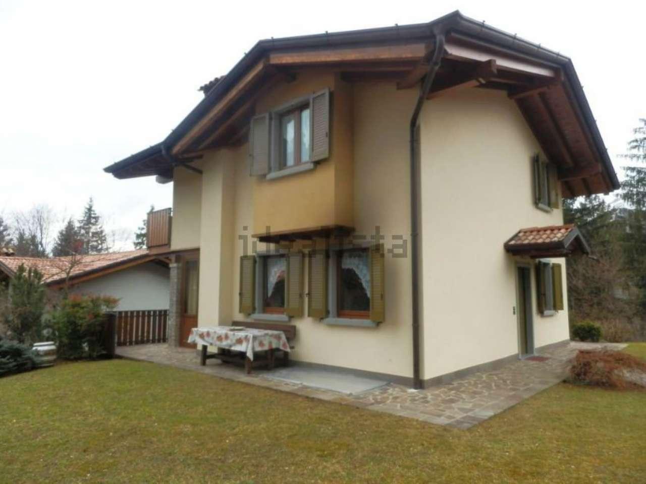 Villa in vendita a Castione della Presolana, 7 locali, prezzo € 460.000 | PortaleAgenzieImmobiliari.it