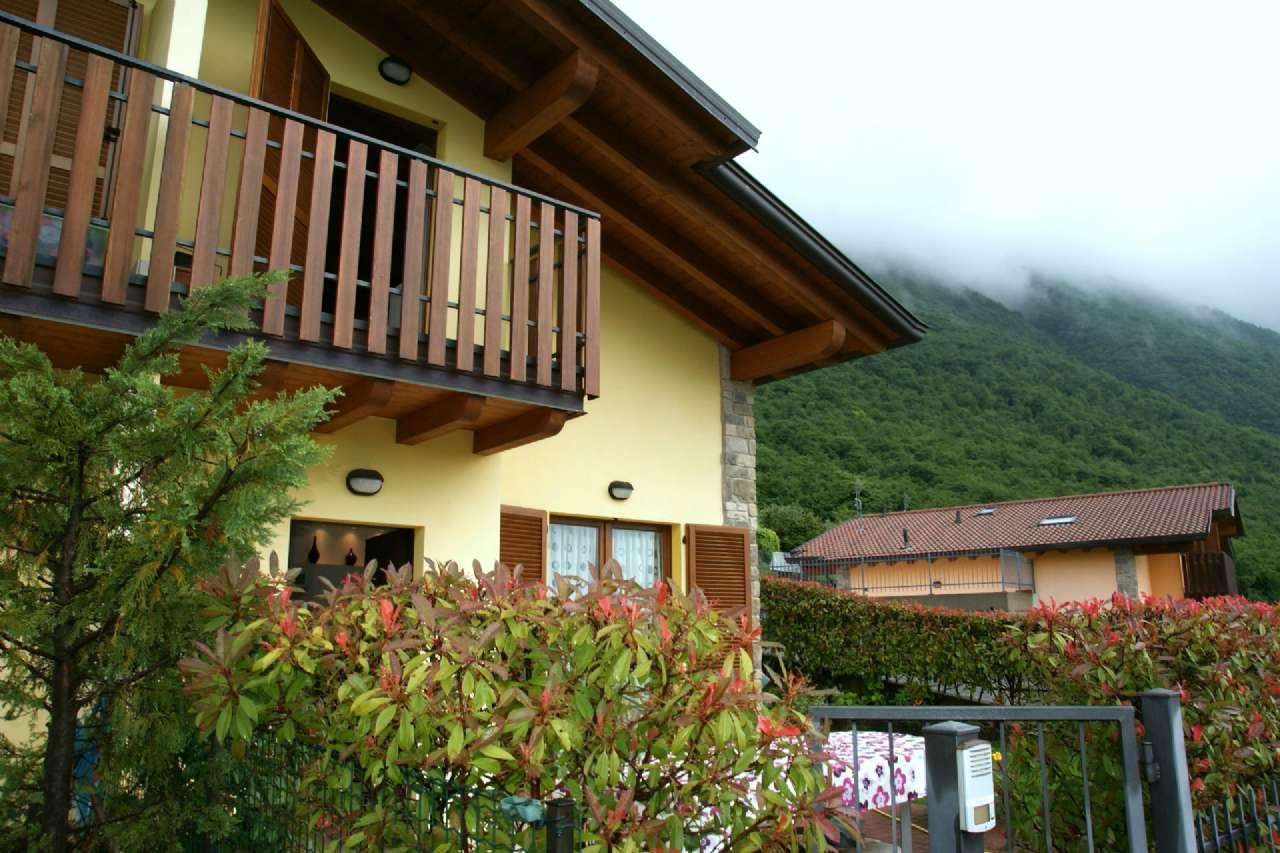 Villa Bifamiliare in vendita a Ranzanico, 4 locali, Trattative riservate | CambioCasa.it