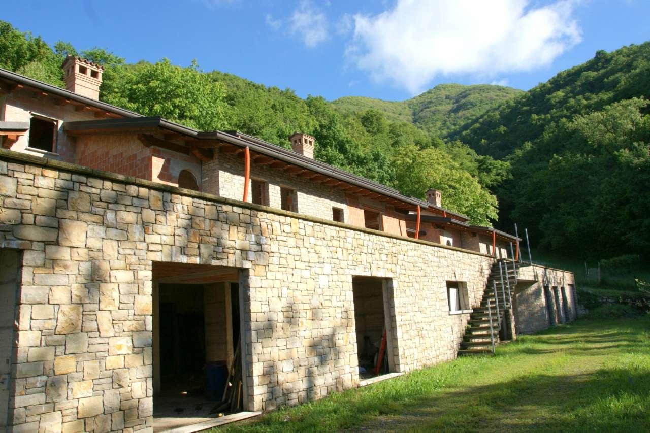 Villa in vendita a Cenate Sopra, 4 locali, prezzo € 430.000 | CambioCasa.it