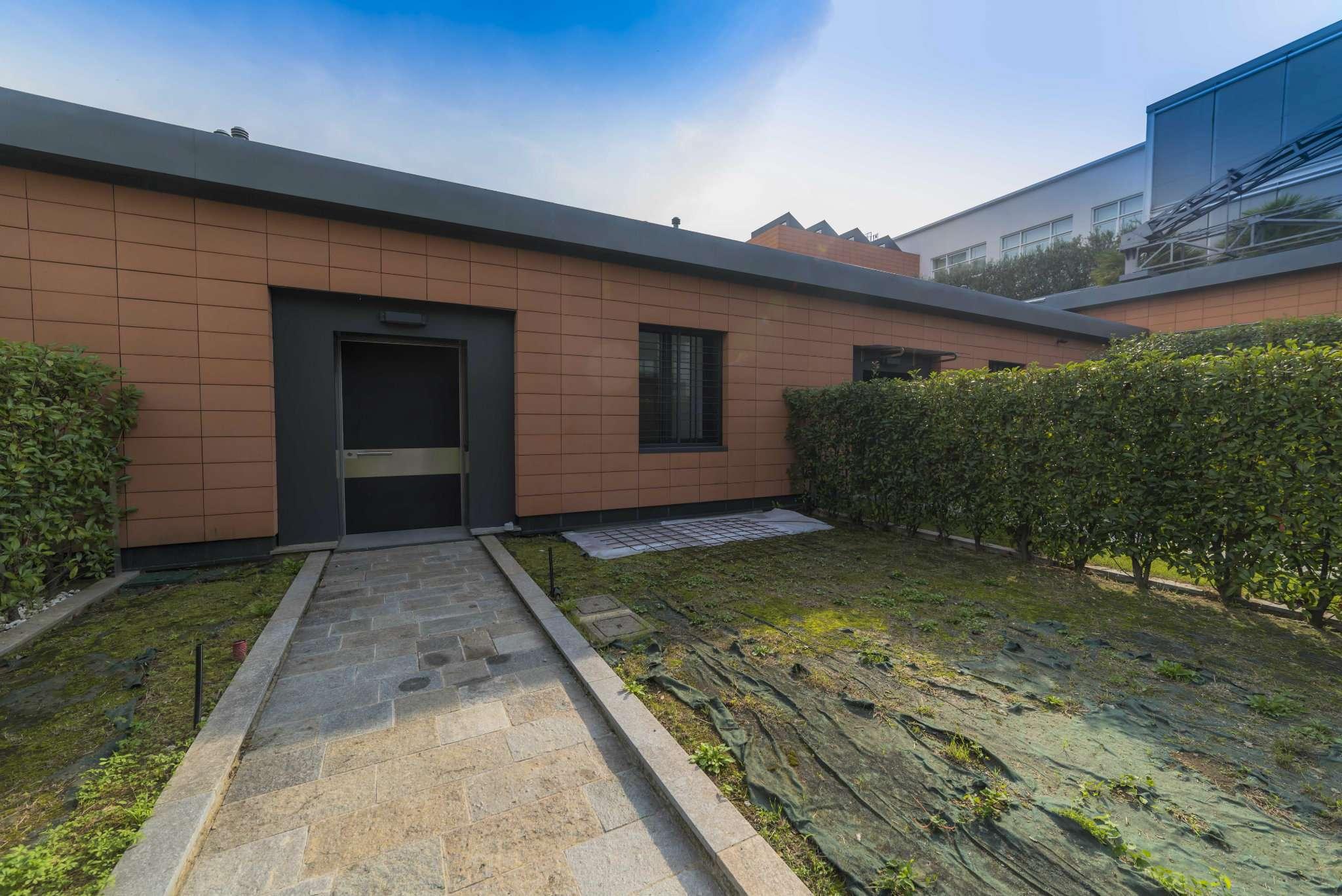 Loft / Openspace in vendita a Bergamo, 9999 locali, prezzo € 690.000 | CambioCasa.it