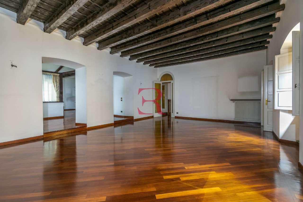 Appartamento in affitto a Bergamo, 4 locali, prezzo € 2.200 | PortaleAgenzieImmobiliari.it