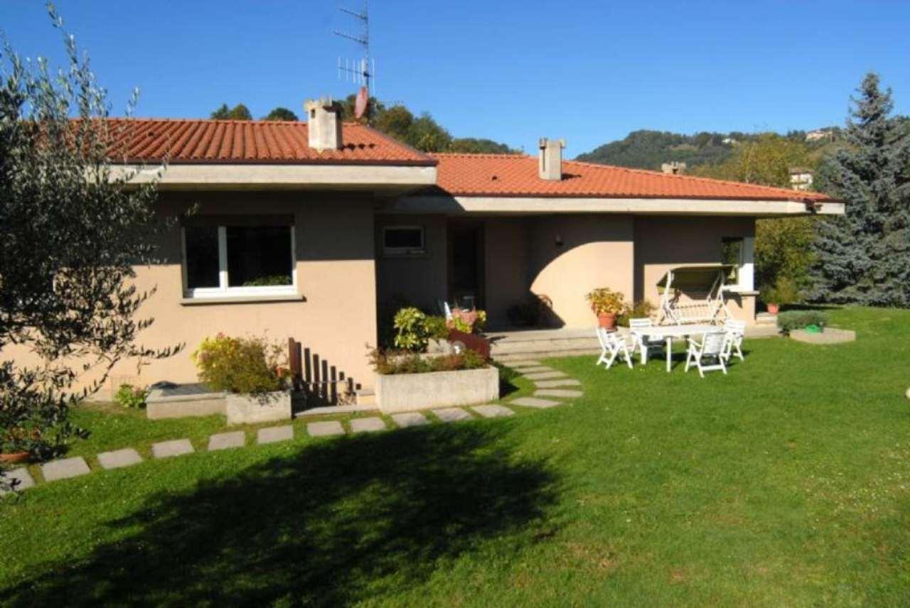 Villa in vendita a Cisano Bergamasco, 7 locali, prezzo € 590.000 | CambioCasa.it