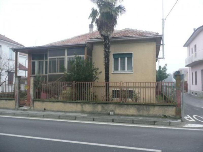 Villa in vendita a Zinasco, 6 locali, prezzo € 95.000 | CambioCasa.it