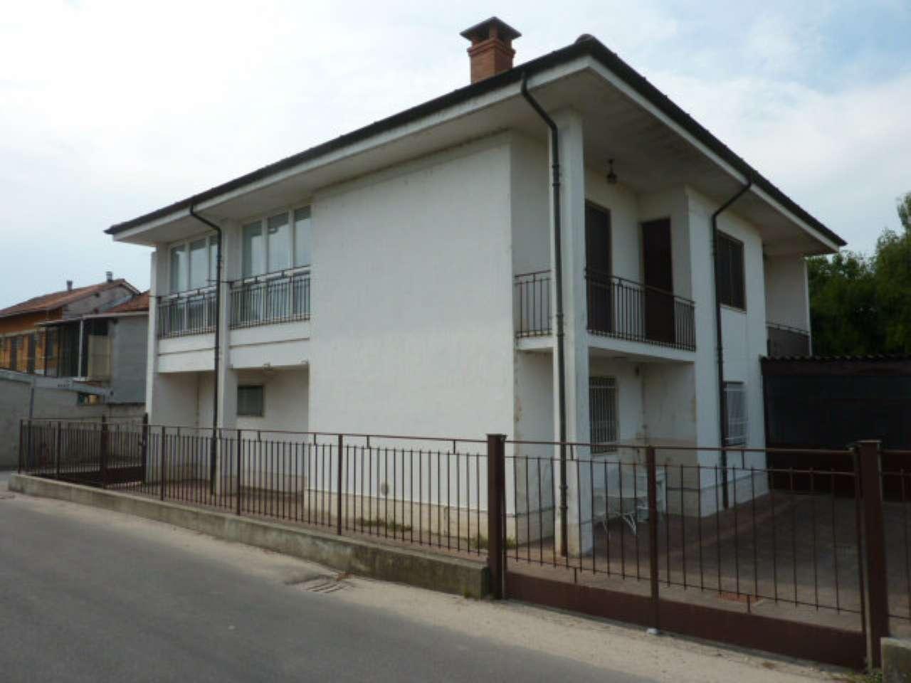 Villa in vendita a Confienza, 8 locali, prezzo € 105.000 | PortaleAgenzieImmobiliari.it