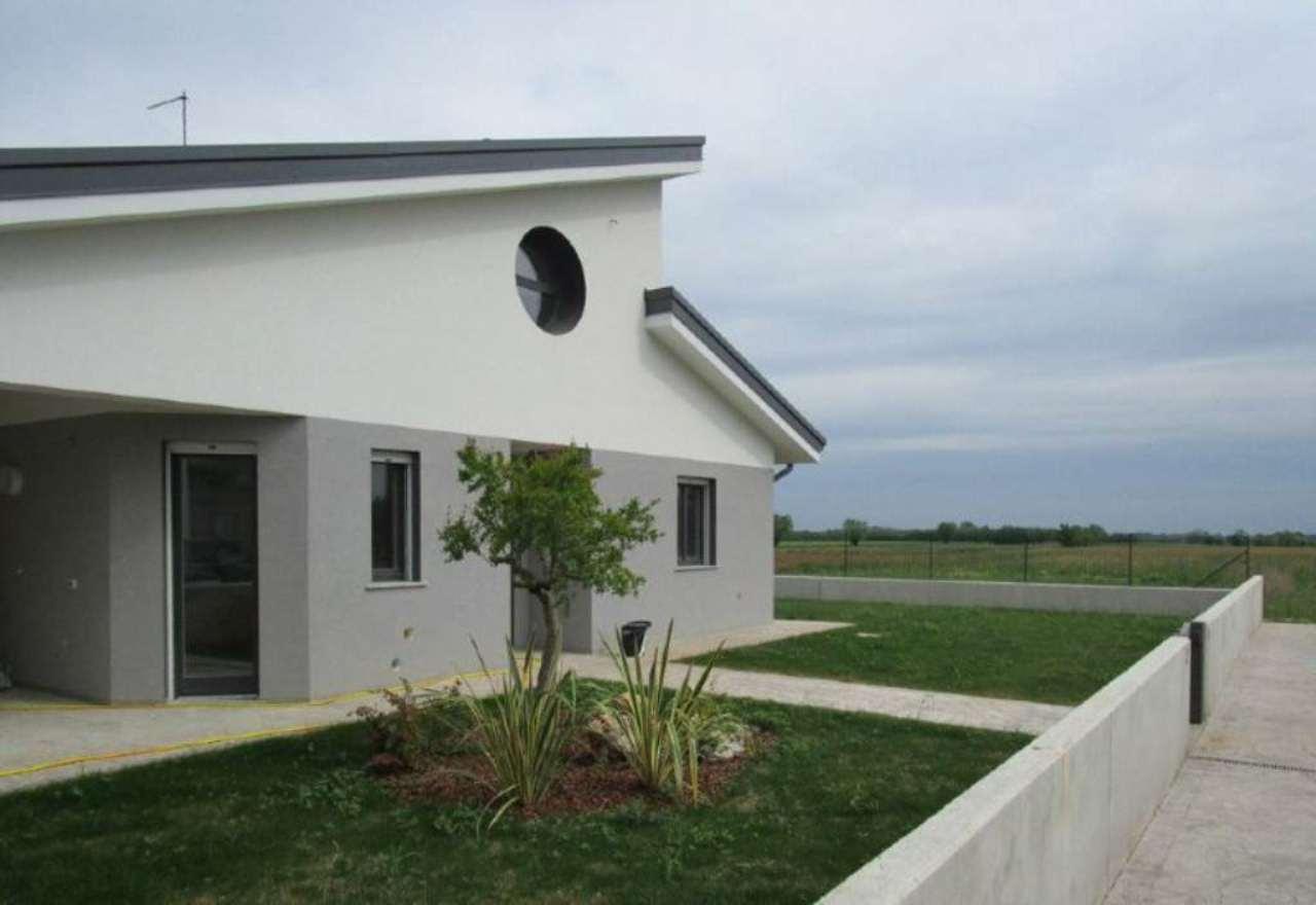 Villa in vendita a Martignacco, 6 locali, prezzo € 260.000 | CambioCasa.it
