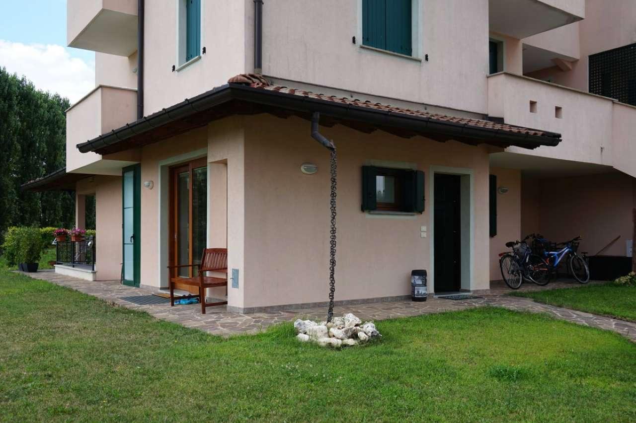 Appartamento in ottime condizioni parzialmente arredato in vendita Rif. 7677763
