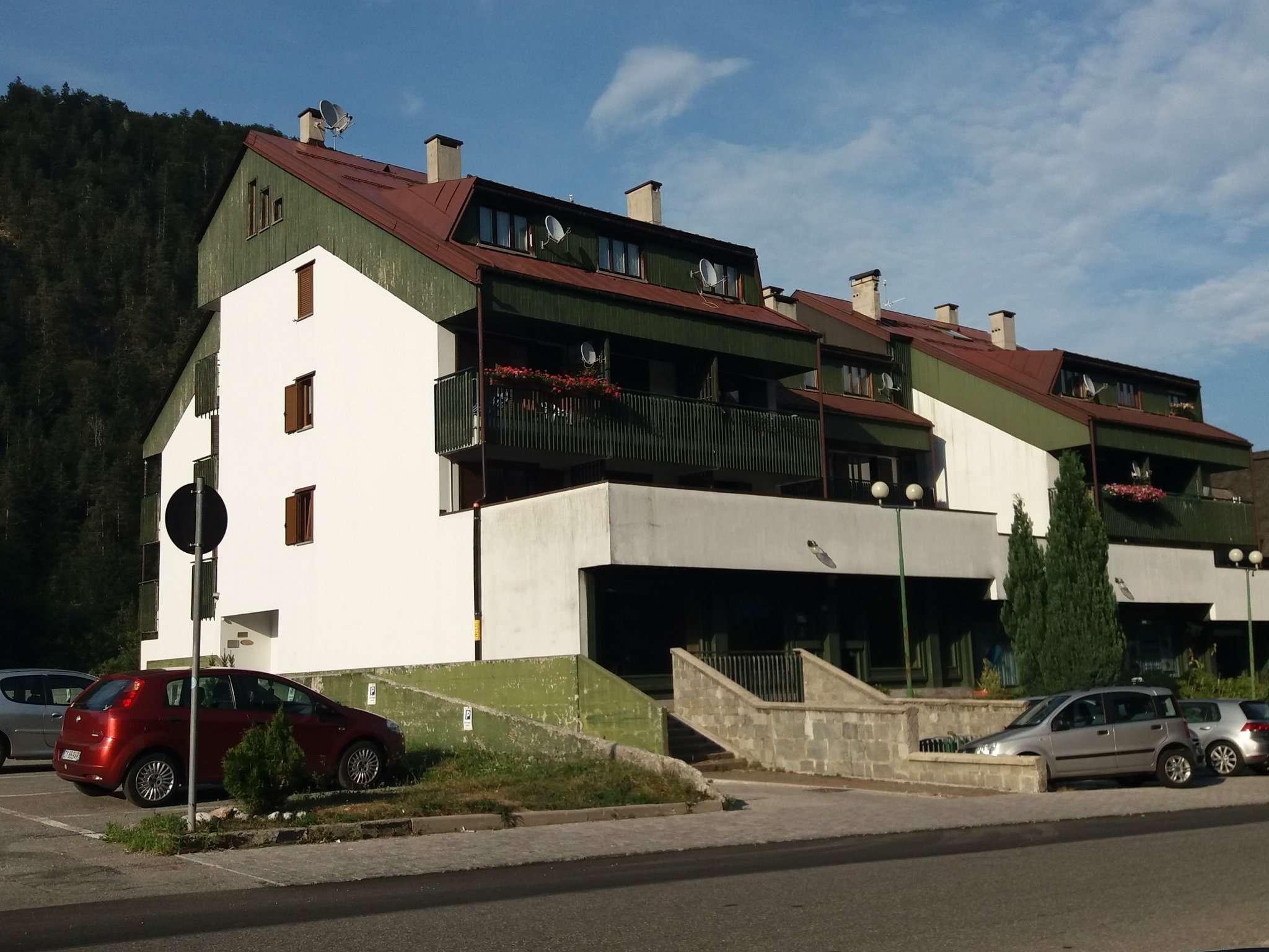 Appartamento in ottime condizioni arredato in vendita Rif. 7677764