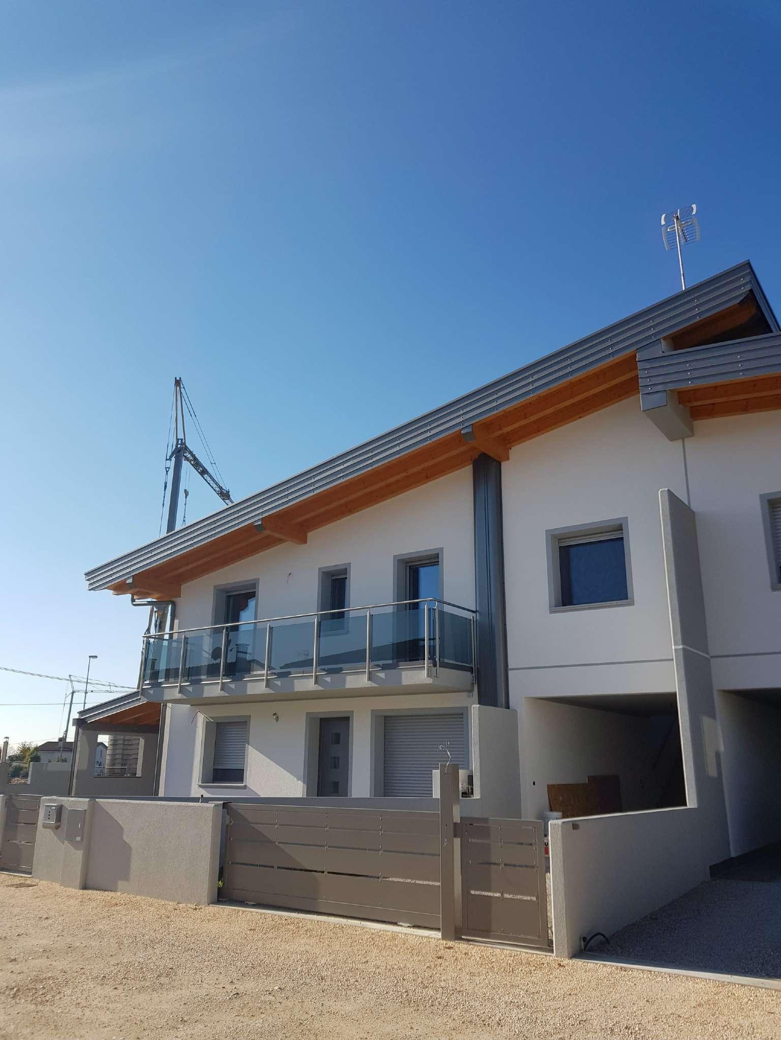 Appartamento in vendita a Premariacco, 3 locali, prezzo € 225.000 | CambioCasa.it