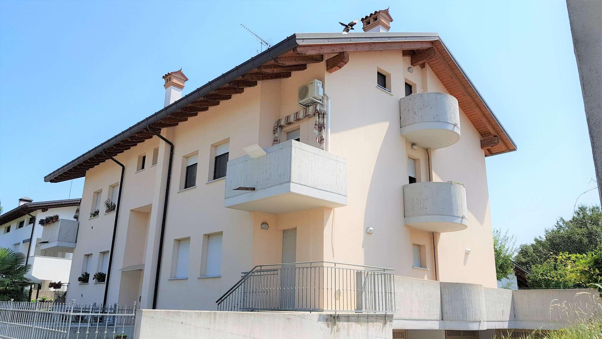 Appartamento in ottime condizioni parzialmente arredato in vendita Rif. 8646056