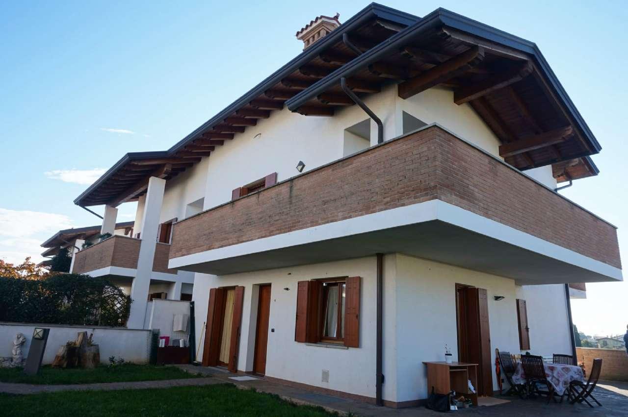 Appartamento bicamere in vendita a Zugliano, via Kennedys