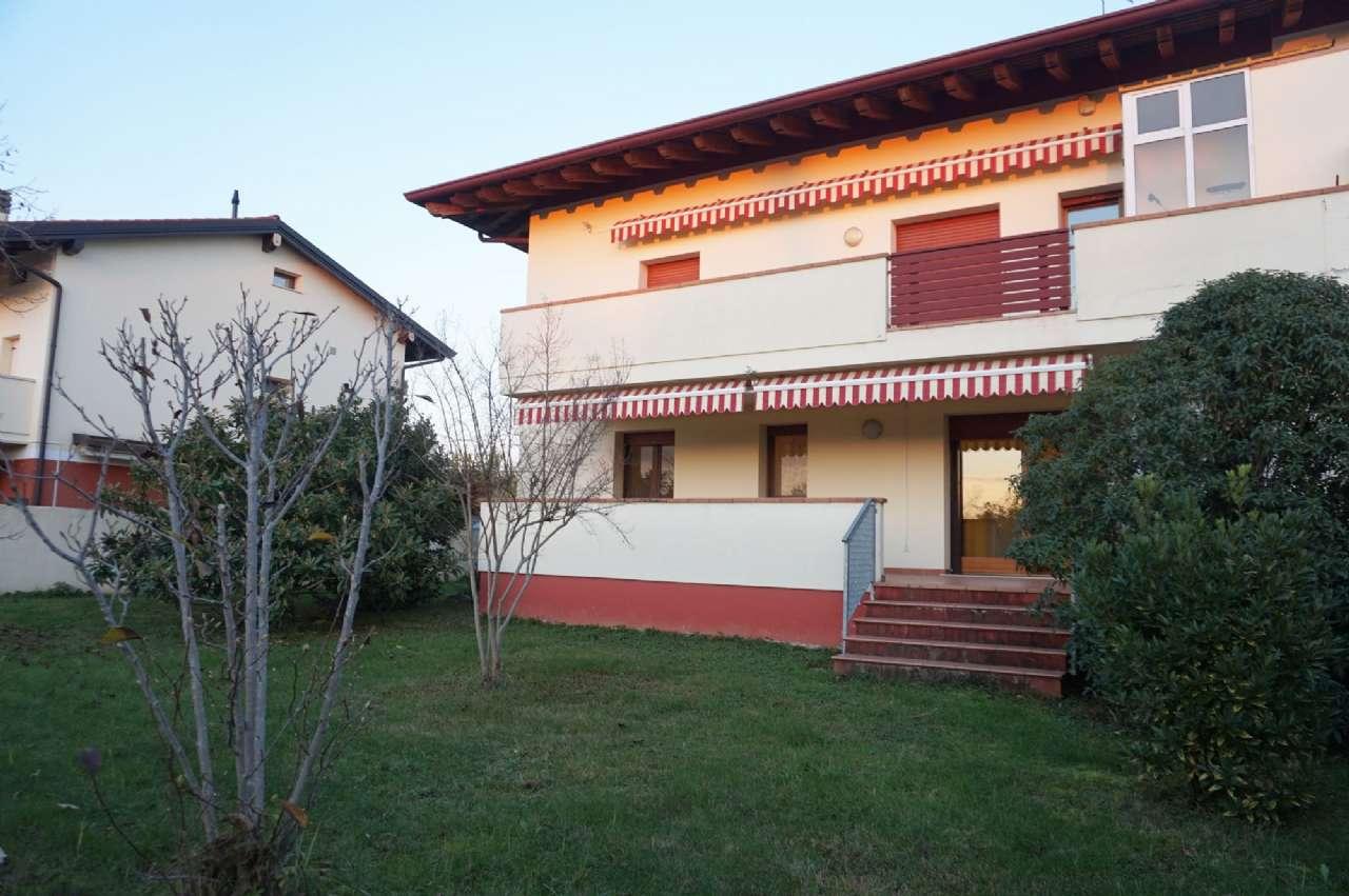 Appartamento in ottime condizioni parzialmente arredato in vendita Rif. 8804866