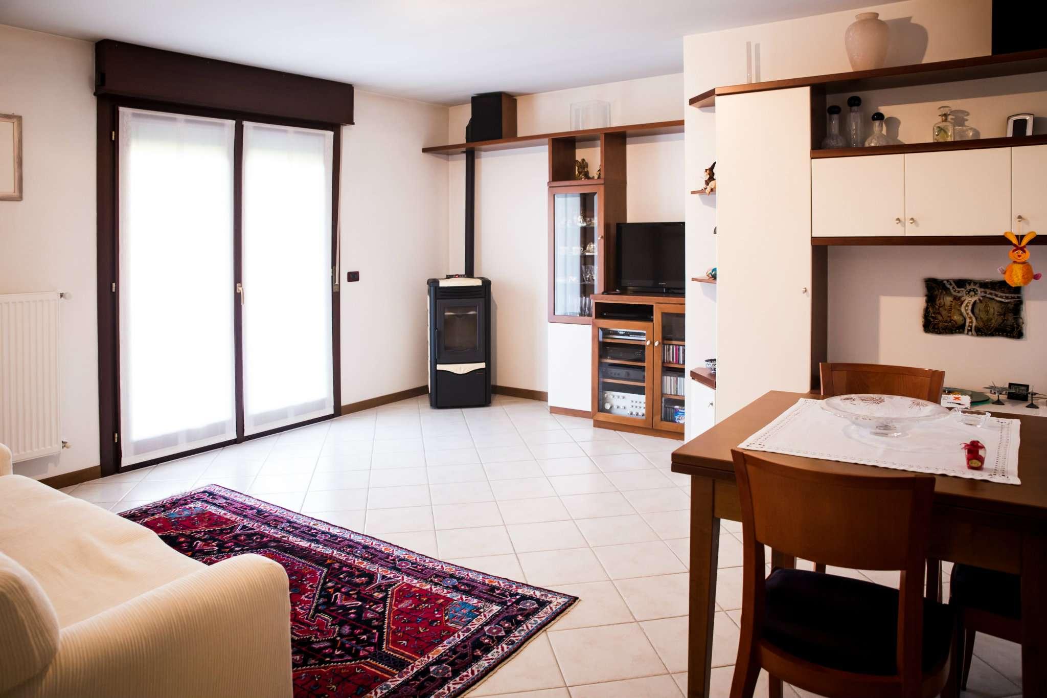 Appartamento in vendita a Tavagnacco, 6 locali, prezzo € 255.000 | PortaleAgenzieImmobiliari.it