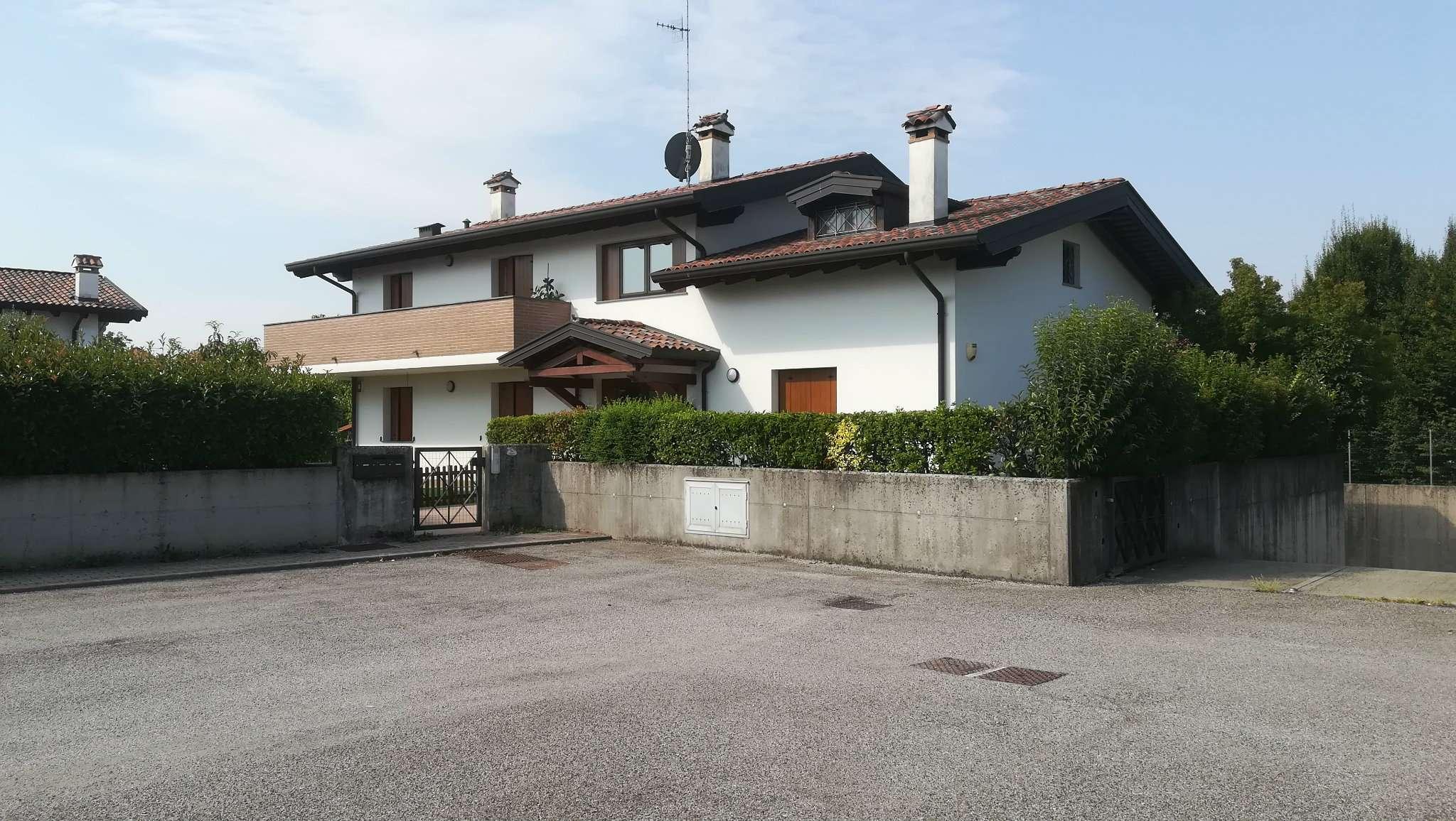 Appartamento in vendita a Udine, 5 locali, prezzo € 175.000 | CambioCasa.it