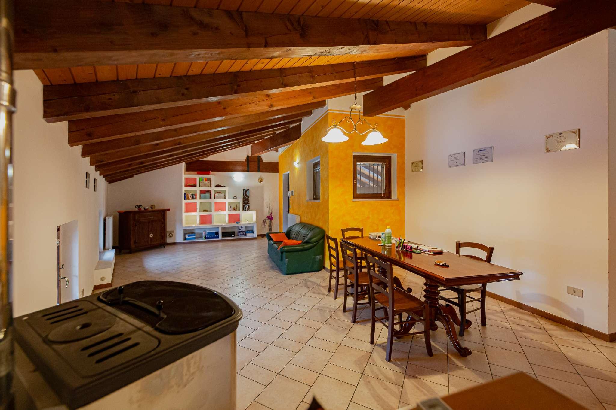 Appartamento in vendita a Santa Maria La Longa, 6 locali, prezzo € 113.000 | PortaleAgenzieImmobiliari.it