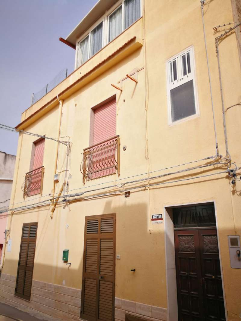 Appartamento in vendita a Castelvetrano, 8 locali, prezzo € 65.000 | PortaleAgenzieImmobiliari.it
