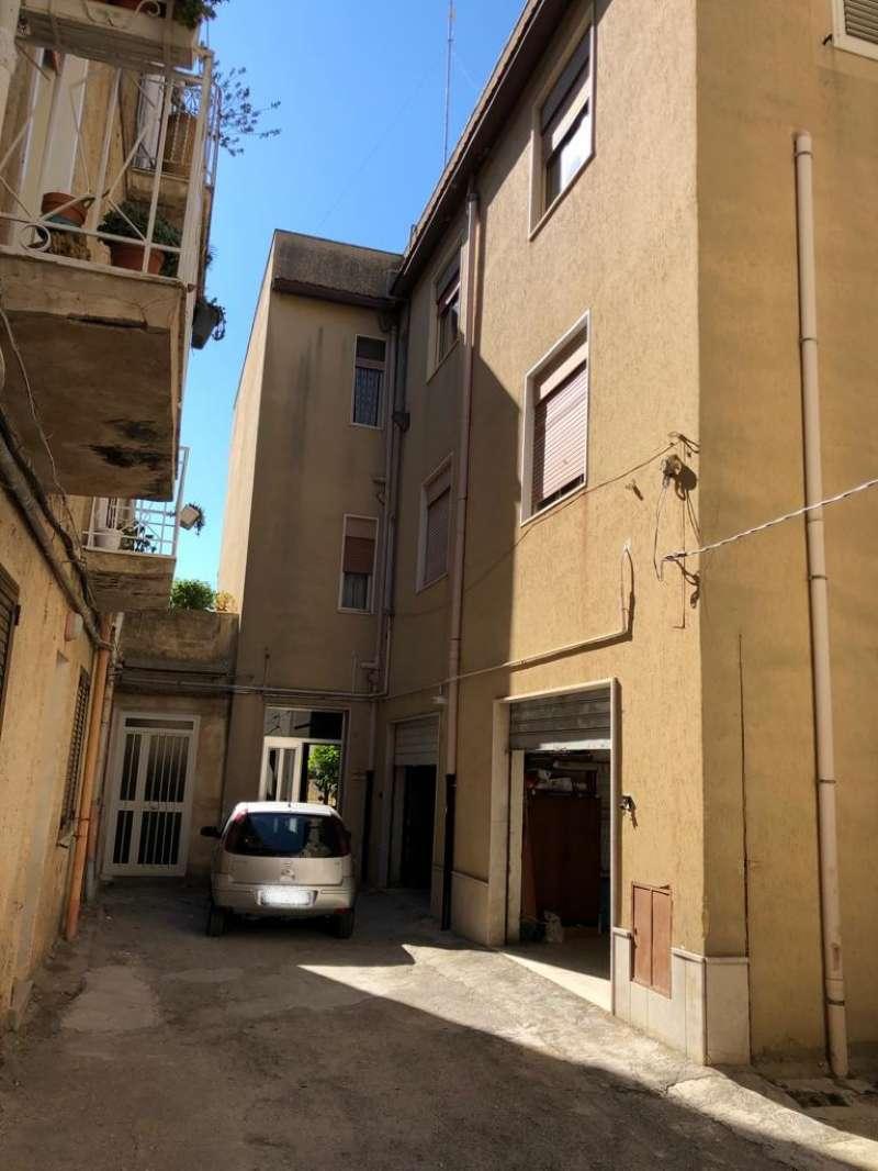 Appartamento in vendita a Castelvetrano, 6 locali, prezzo € 65.000 | PortaleAgenzieImmobiliari.it